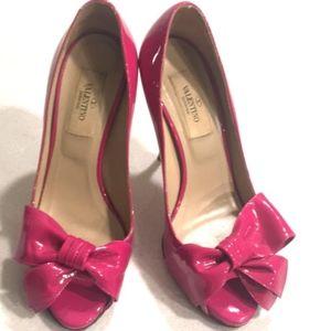 Valentino Shoes - Valentino Couture Bow Fuchsia Pump
